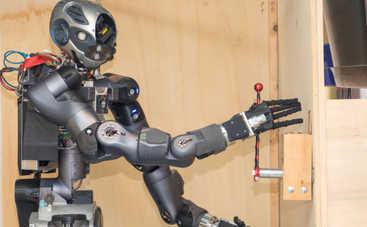 Итальянцы создали первого в мире робота-пожарного