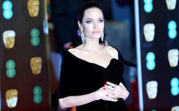 Анджелина Джоли оказалась в центре международного секс-скандала