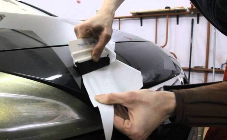 Как правильно украсить свое авто виниловыми наклейками
