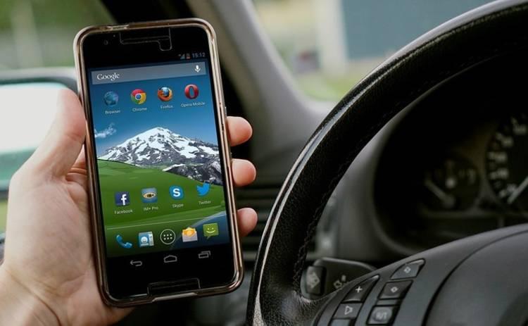 5 опасных мифов об использовании телефона за рулем