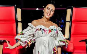 Беременная Джамала устроила зажигательные танцы на шоу «Голос країни-8»
