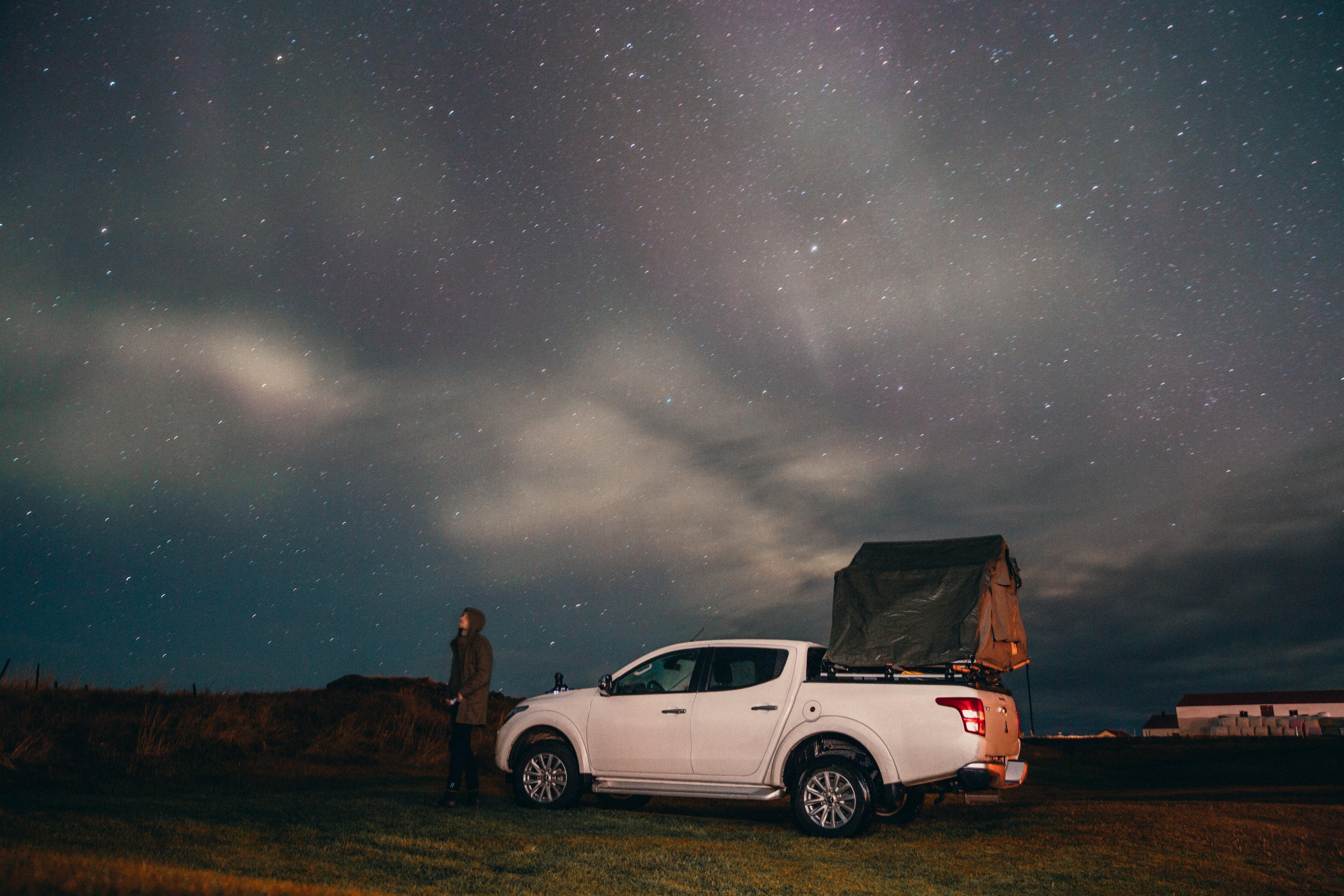 camping-under-stars-northern-lights_4460x4460