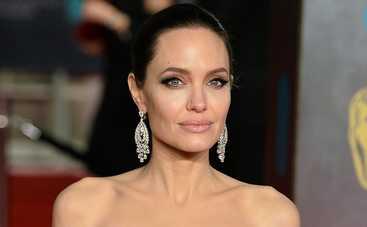 Анджелина Джоли не одобряет новую девушку Брэда Питта