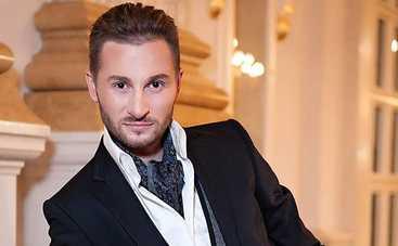 Украинский певец Артур Боссо получил благословение от Монсеррат Кабалье