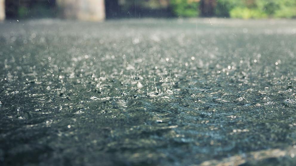 heavy_rain_splashes_shutterstock_148721882