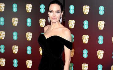Анджелина Джоли продемонстрировала свой скрытый талант