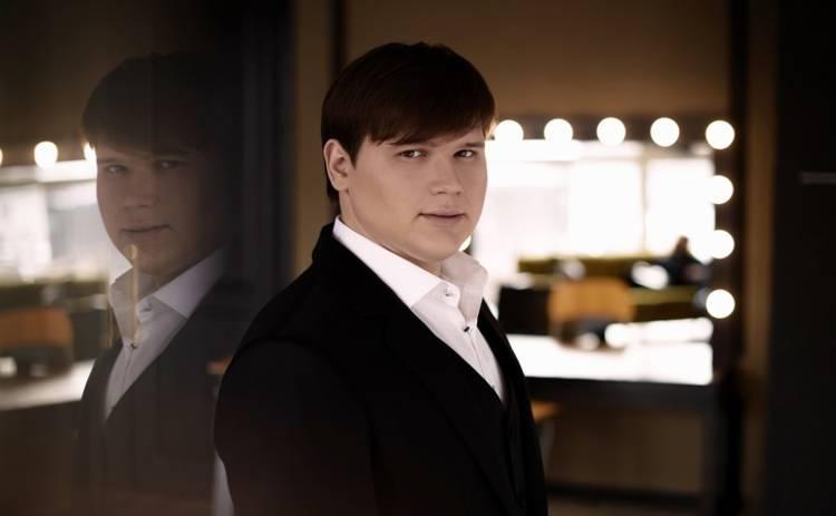 Александр Порядинский представил песню, над которой трудился шесть лет