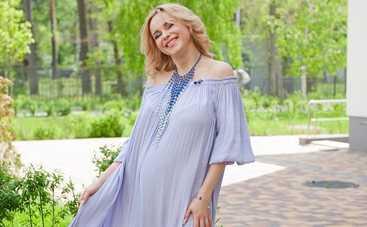 Лилия Ребрик впервые вышла на прогулку с новорожденной дочкой