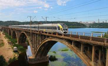 В украинских поездах установят камеры видеонаблюдения