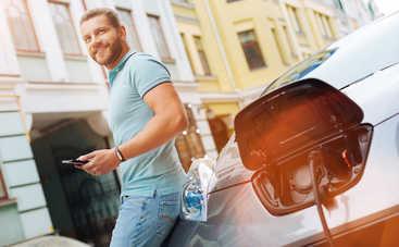 Новая заправка для электрокаров: зарядиться на 200 км за 8 минут