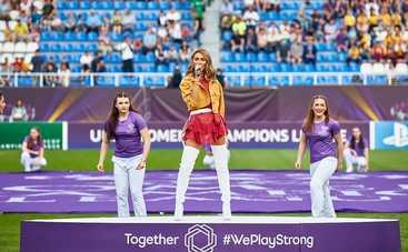 TAYANNA выступила на финале женской Лиги чемпионов УЕФА