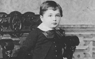 Тест: Угадайте историческую личность по детской фотографии