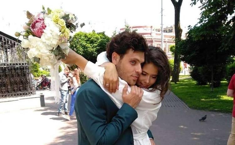 Актеры сериалити «Киев днем и ночью» сыграли авральную свадьбу