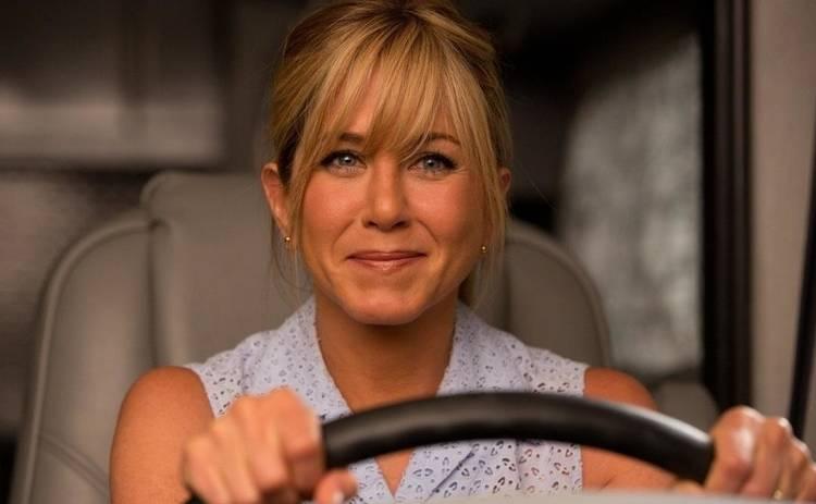 5 фильмов, в которых главные герои притворяются семьей