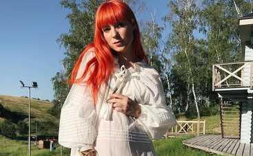 Беременная TARABAROVA показала свою естественную красоту