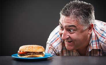 Медики рассказали о вреде быстрого приема пищи