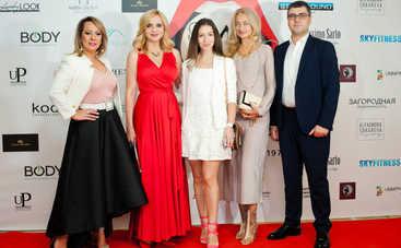 Украинские звезды показали, как правильно играть в гольф на шпильках