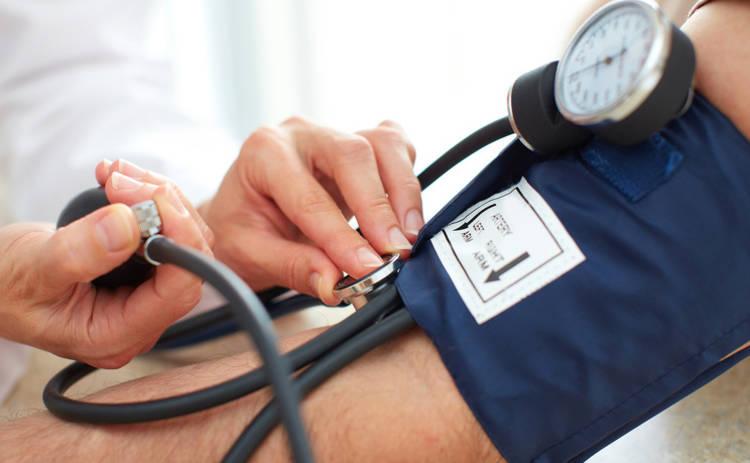 Ученые рассказали, какой напиток поможет снизить повышенное давление