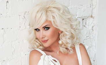 Катя Бужинская провела международный песенный конкурс в Болгарии