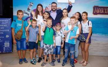 Руслан Сеничкин познакомил детей с монстрами