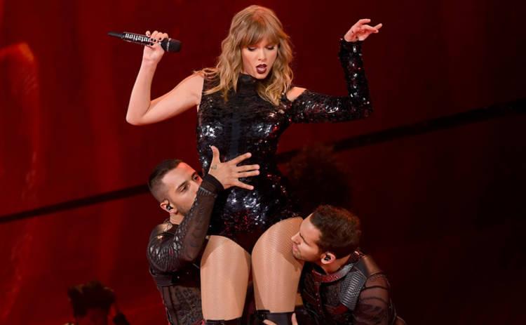 Тейлор Свифт оконфузилась во время концерта