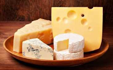 Ученые назвали неожиданное свойство сыра