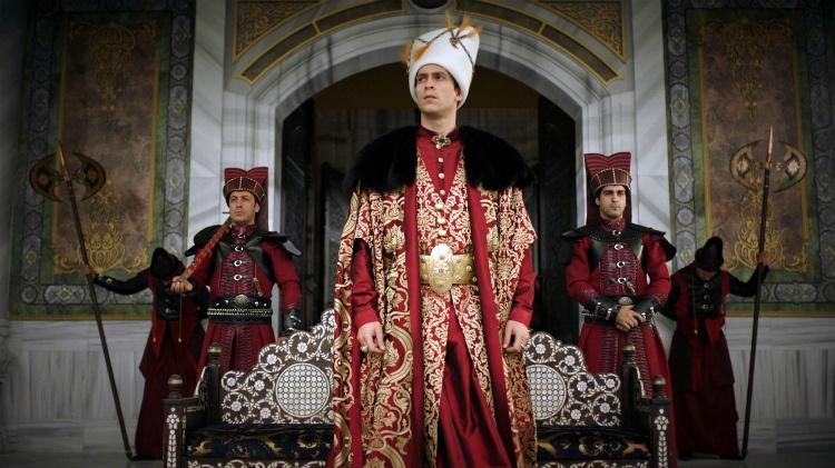 velikolepnyj-vek-novaja-pravitelnitsa-chto-izvestno-ob-ispolnitele-roli-sultana