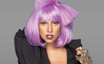 Леди Гага разделась на берегу океана для фотосессии