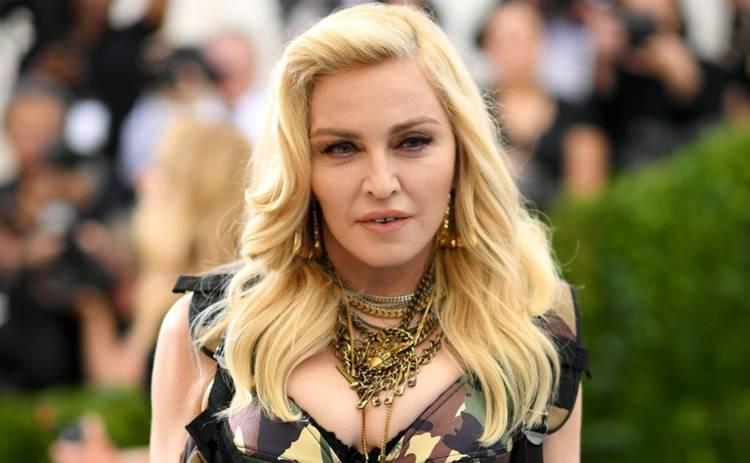 Мадонна удивила образом в шляпе от любимого украинского дизайнера