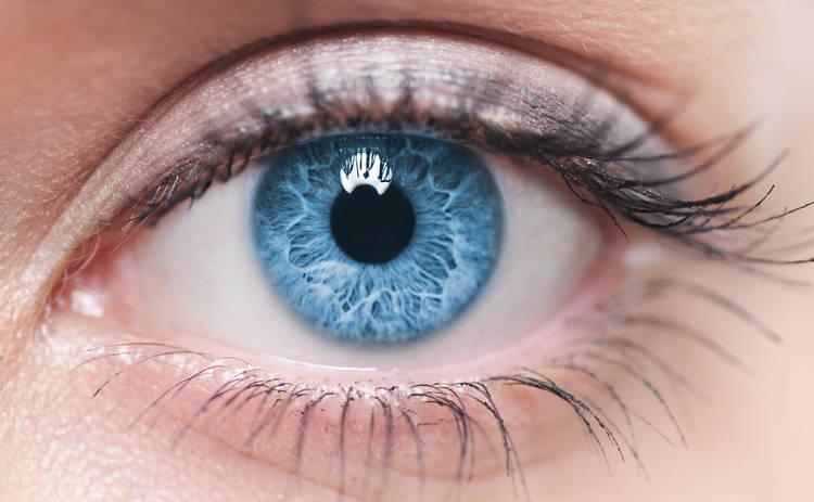 Преимущества ранней хирургии катаракты и восстановления зрения