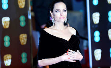 Анджелина Джоли экстренно госпитализирована в психиатрическую клинику