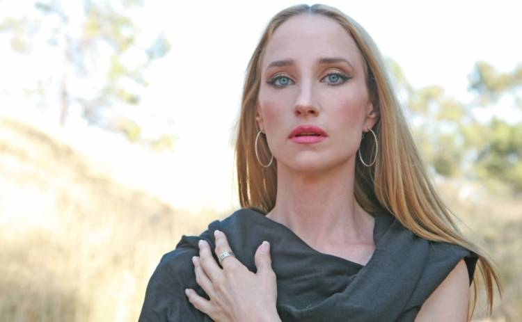 Известная американская певица покончила с собой