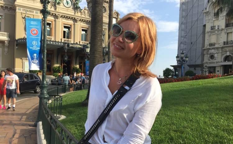 Певица Lilu провела рабочий отпуск на Лазурном побережье во Франции