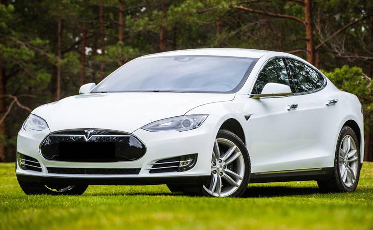 Электрокар Tesla не прошел таможенный контроль