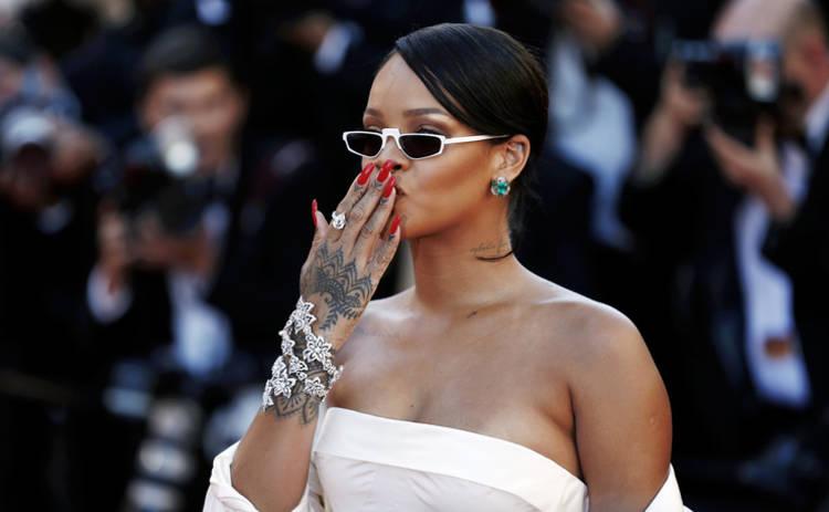 Анджелина Джоли, Рианна и другие звезды меряются количеством татуировок
