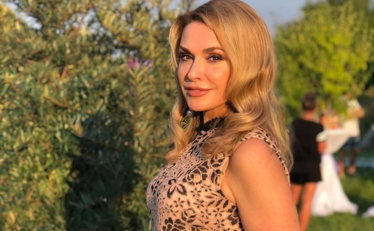 Ольга Сумская восхитила образом в платье-вышиванке за 2,5 тысячи долларов