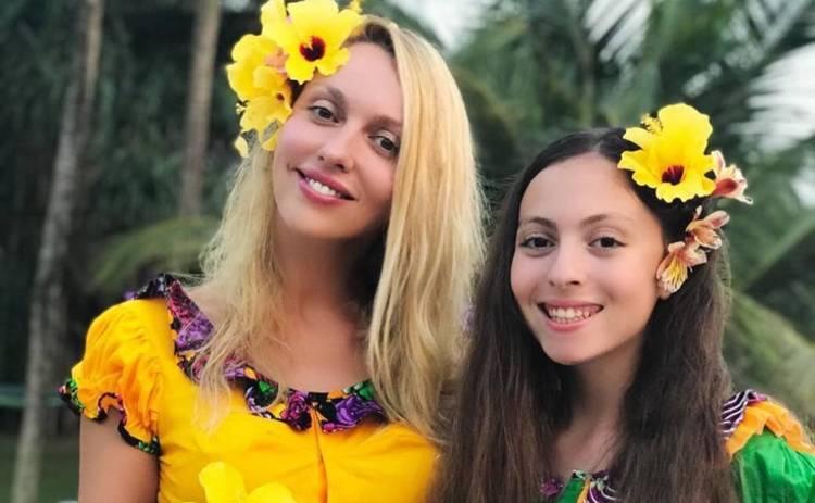 По маминым стопам: дочь Оли Поляковой показала фигуру в бикини