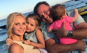 Дочь Лилии Ребрик стала первоклассницей, а муж - учителем