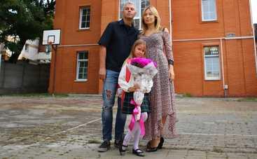 Андрей Доманский отвел дочь в первый класс
