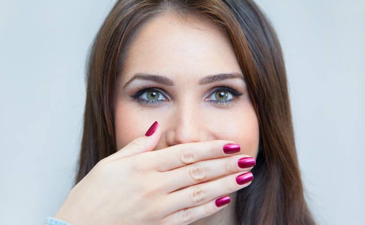 Привычки, которые с легкостью испортят вашу улыбку