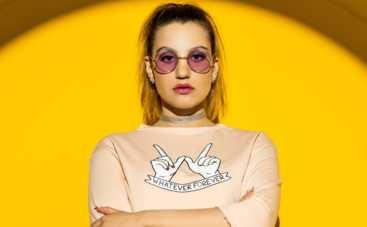 Молодая украинская певица показала последствия Интернет-зависимости