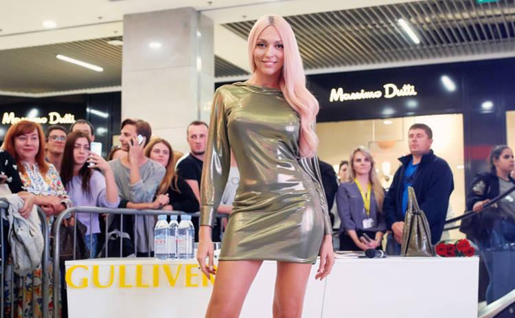 Оля Полякова собрала всех своих двойников на одной сцене