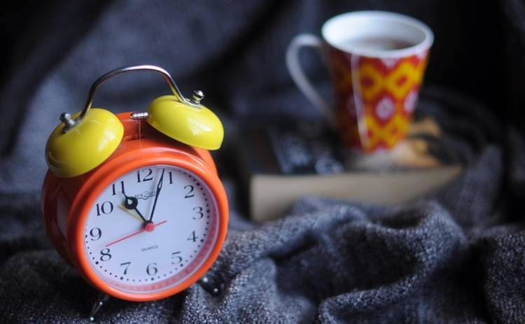 Переходим на зимнее время: когда в 2018 году следует перевести часы