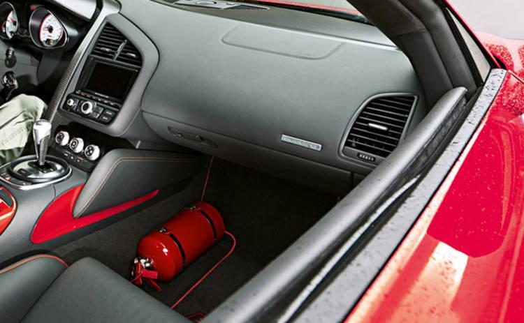 Огнетушитель в машине: как правильно выбрать и установить
