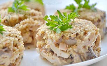 Просто объедение! Салат с куриным филе, сыром и орехами (рецепт)