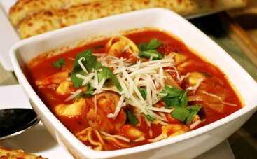 Доступно и вкусно: итальянский суп с сосисками (рецепт)