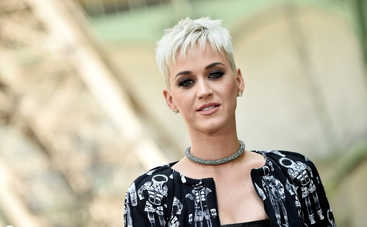 Кэти Перри отметила день рождения в эротичном платье в компании Орландо Блума