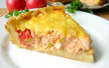Соленый пирог с жареным луком, сыром и помидорами (рецепт)