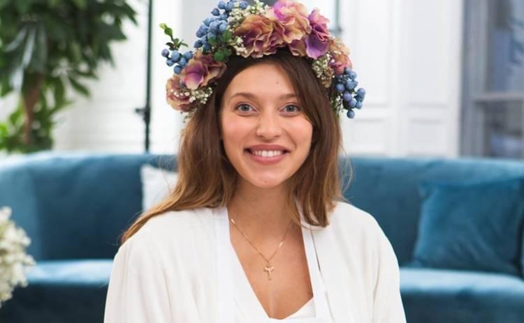 Беременная Регина Тодоренко устроила девичник, переодевшись в прекрасную нимфу