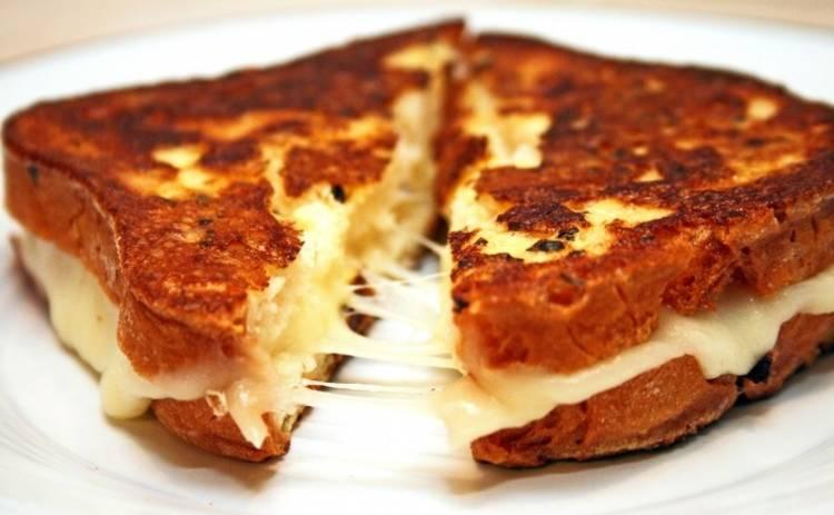 Тают во рту! Итальянские бутерброды с моцареллой (рецепт)
